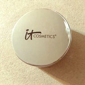 IT BYE BYE Cosmetics Tan Powder!